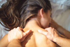 Magie der zärtlichen Partner-Massage