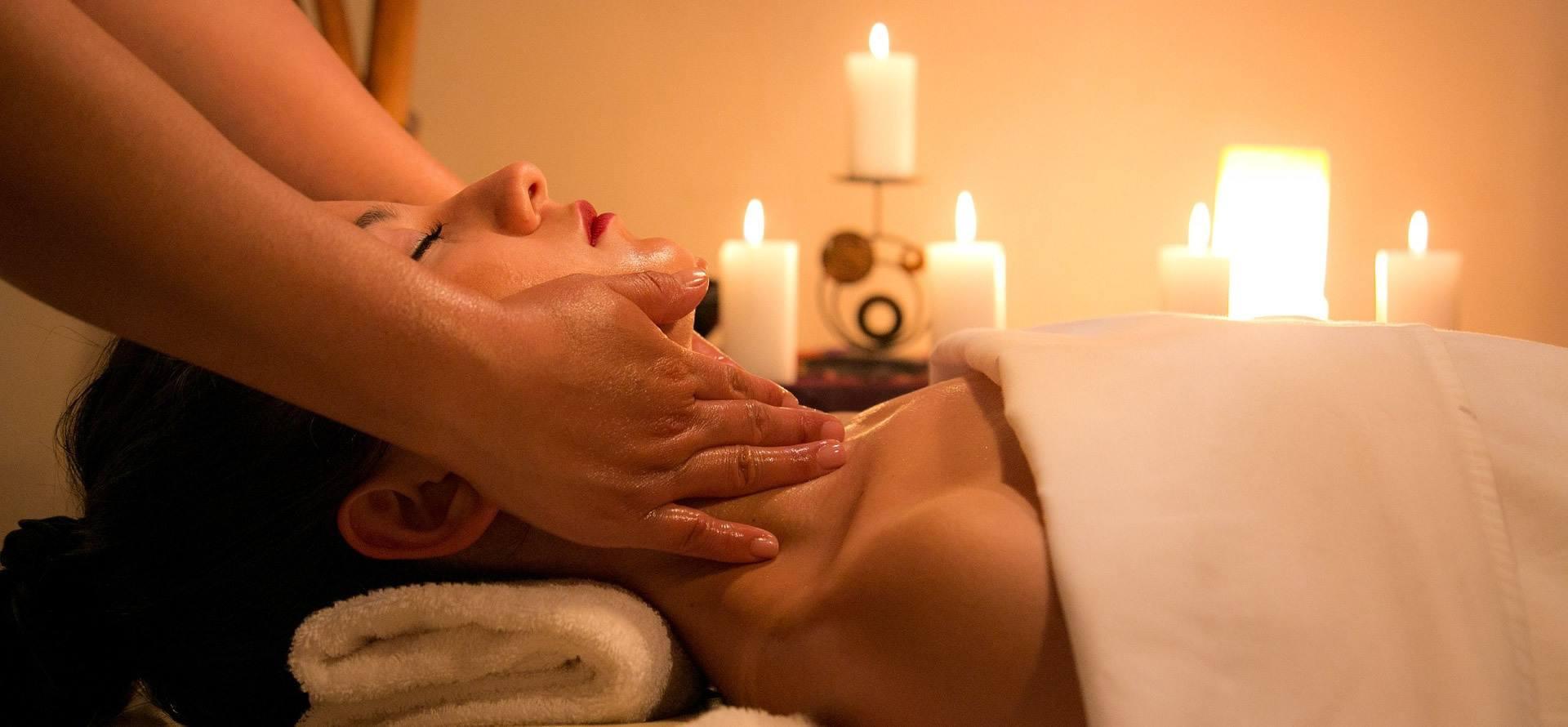 Energie-Kopfmassage und Nacken-Entspannung