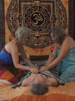 4-Hand Tao Sinnes Massage